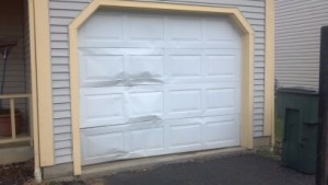 replace-broken-garage-door-panels-Kansas-City